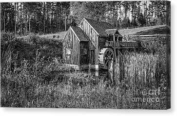 Old Grist Mill In Vermont Black And White Canvas Print by Edward Fielding