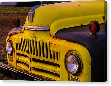 Old International Pickup Canvas Print by Garry Gay