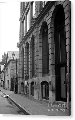 Old Montreal Street Scene Canvas Print by Reb Frost