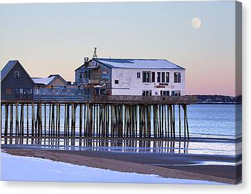 Old Orchard Beach Moonrise Canvas Print by Eric Gendron
