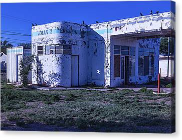 Old Run Down Gas Station Canvas Print by Garry Gay