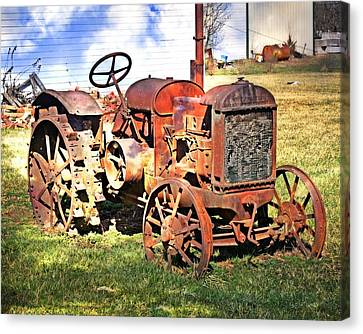 Old Tyme Tractor Canvas Print by Marty Koch