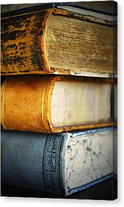 Old Vintage Books Canvas Print by Pam Walker