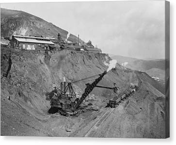 Open Pit United Verde Mine On Mountain Canvas Print by Everett