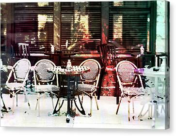 Outdoor Dining In Minneapollis Canvas Print by Susan Stone