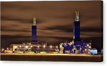 Parker Drilling Rigs In Prudhoe Bay Alaska Canvas Print by Sam Amato
