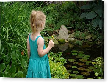 Peace In The Gardens Canvas Print by Linda Mishler