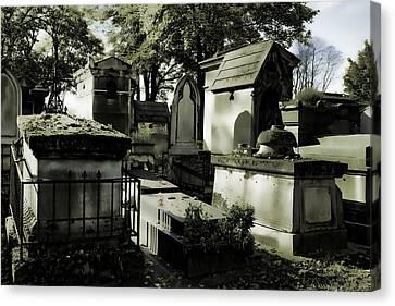 Pere Lachaise Cemetery Canvas Print by Hugh Smith