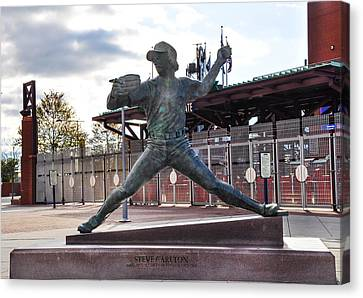 Phillies Hall Of Fame Pitcher Steve Carlton Canvas Print by Bill Cannon