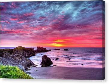 Pink Sunset Bandon Oregon Canvas Print by Connie Cooper-Edwards