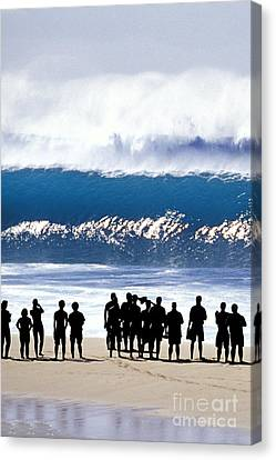 Pipeline Shadowland - 1 Of 3 Canvas Print by Sean Davey