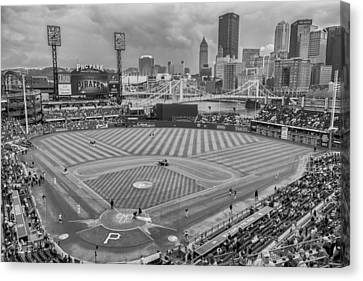 Pittsburgh Pirates 1a Bw Pnc Park Canvas Print by David Haskett