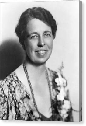 Portrait Of Eleanor Roosevelt Canvas Print by Underwood Archives