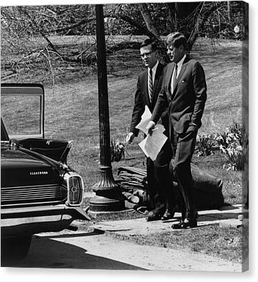 President Kennedy With Theodore Canvas Print by Everett