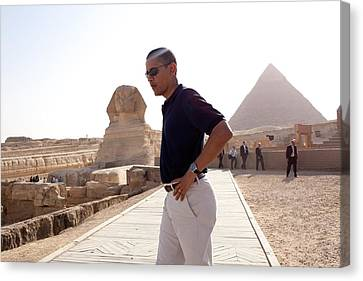 President Obama Tours The Egypts Great Canvas Print by Everett