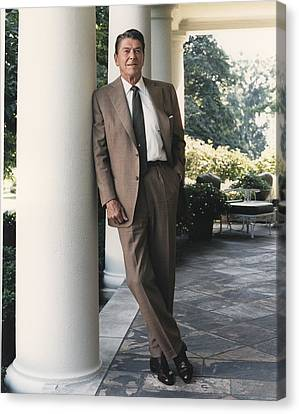 President Reagan On The White House Canvas Print by Everett