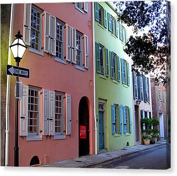 Pretty Lane In Charleston Canvas Print by Susanne Van Hulst