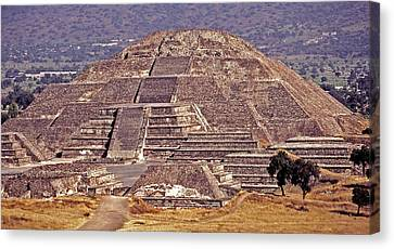 Pyramid Of The Sun - Teotihuacan Canvas Print by Juergen Weiss
