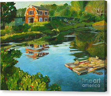 Red Barn In Kennebunkport Me Canvas Print by Claire Gagnon