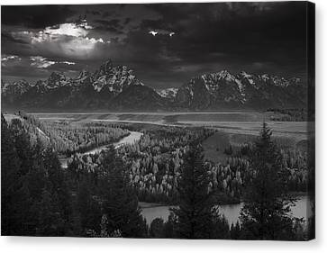 River Thru The Mountains Canvas Print by Andrew Soundarajan