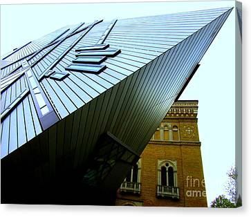 Royal Ontario Museum 6 Canvas Print by Randall Weidner
