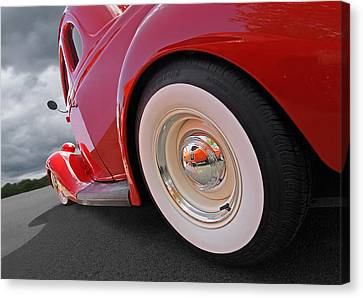 Rumblefest Red - Ford Coupe Canvas Print by Gill Billington