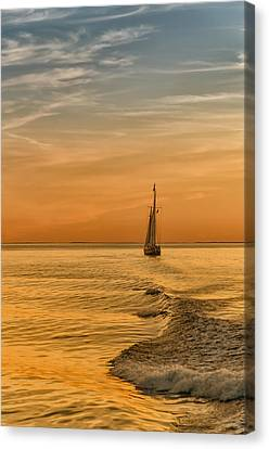 Sailing Into The Sunset Canvas Print by Linda Pulvermacher