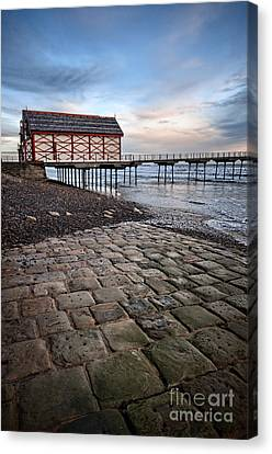 Saltburn By The Sea Canvas Print by Stephen Smith