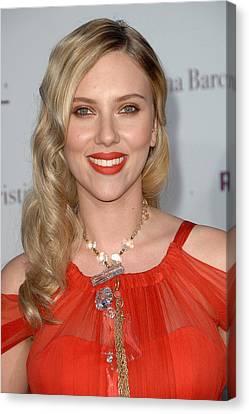 Scarlett Johansson Wearing A Sonia Canvas Print by Everett