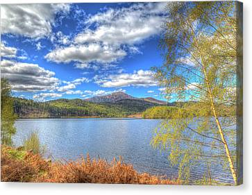 Scottish Loch Garry Scotland Uk Lake West Of Invergarry On The A87 South Of Fort Augustus Hdr Canvas Print by Michael Charles
