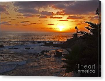 Seaside Sunset Canvas Print by Kelly Holm