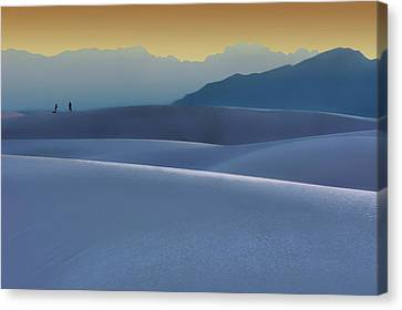 Sense Of Scale - 2 - White Sands - Sunset Canvas Print by Nikolyn McDonald
