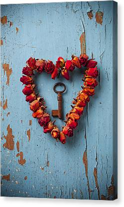 Romance Canvas Print featuring the photograph Small Rose Heart Wreath With Key by Garry Gay