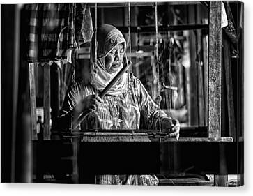 Songket Maker Canvas Print by Erwin Astro