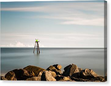 South Jetty Marker Canvas Print by Ivo Kerssemakers
