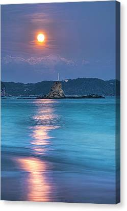 Sparkle Of Orange (full Moon) Canvas Print by Tommy Tsutsui