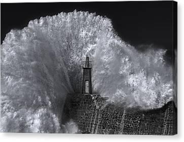 Splash Canvas Print by ?stur Hugo Montes