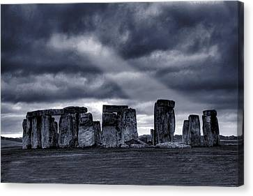 Stonehenge Canvas Print by  Jaroslaw Grudzinski