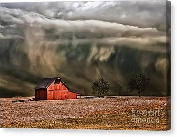Storm's Coming Canvas Print by Lois Bryan