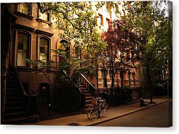 Summer In New York City - Greenwich Village Canvas Print by Vivienne Gucwa