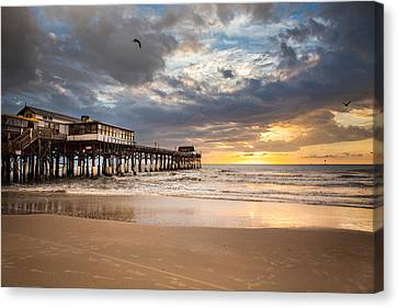 Sunrise At Cocoa Beach Pier Canvas Print by Will Tan