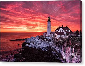 Sunrise At Portland Head Lighthouse Canvas Print by Benjamin Williamson