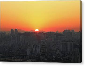 Sunrise In The City Canvas Print by Hyuntae Kim