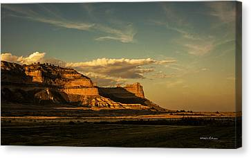 Sunset At Scotts Bluff National Monument Canvas Print by Edward Peterson