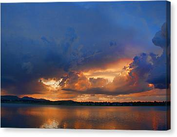 Sunset Blues Canvas Print by James BO  Insogna