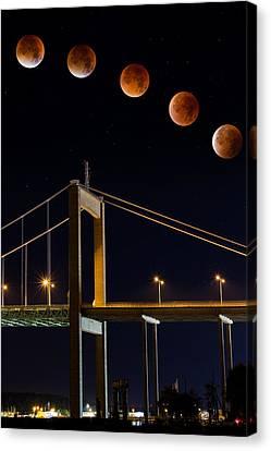 Super Blood Moon Canvas Print by Arvid Bjorkqvist