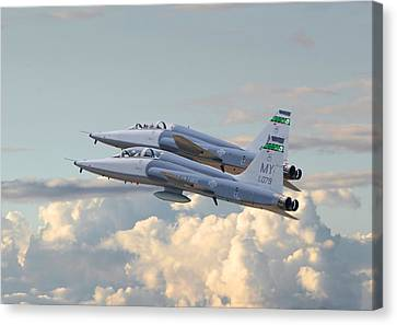 Talon T38 - Supersonic Trainer Canvas Print by Pat Speirs