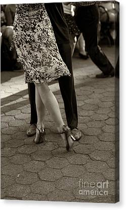 Tango In The Park Canvas Print by Leslie Leda