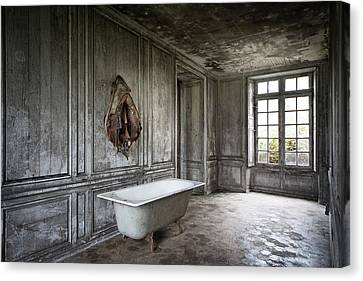 The Bathroom Tub - Urban Decay Canvas Print by Dirk Ercken
