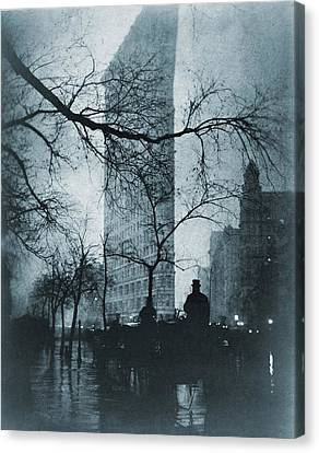 The Flatiron Building, New York City Canvas Print by Everett